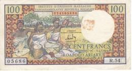 BILLETE DE MADAGASCAR DE 100 FRANCS DEL AÑO 1966  (BANKNOTE) - Madagascar