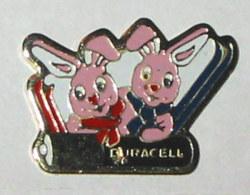 Pin's COUPLE DE LAPINS DURACELL - Dieren