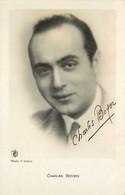 CHARLES  BOYER  Signée   Photo De  R.  SOBOL  * Carte Photo De Luxe DOS BLANC - Artisti