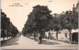 37 BLERE - Le Mail Victor Hugo. - Bléré