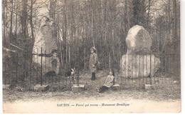 Sautin  Pierre Qui Tourne - Monument Druidique - Sivry-Rance