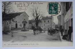 """CPA Saint-Martin-en-Vercors, Mairie, Hôtel, Attelage, Tilleul Dit """"de Sully"""", Drôme, 1911 - France"""