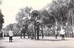 Asie > Cambodge PHNOM-PENH Fêtes Du Couronnement Les Elephants Royaux  ETAT= Voir Description *PRIX FIXE - Cambodge