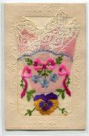 FANTAISIE Carte BRODEE Pochette Avec Petit Mouchoir Rose Dentelle   écrite   /D25-2018 - Embroidered