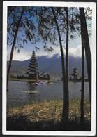 BALI - TEMPIO SUL LAGO - FORMATO GRANDE 17X12 - VIAGGIATA 1989 FRANCOBOLLO ASPORTATO - Indonesia