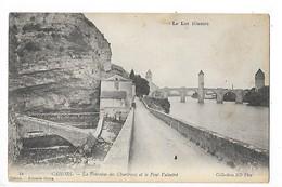 CAHORS  (cpa 46)  La Fontaine Des Chartreux Et Le Pont Valentré  -  L 1 - Cahors