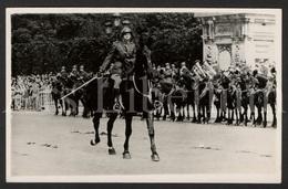 Postcard / ROYALTY / Belgique / België / Prins Karel / Latere Prins Regent / Prince Charles / Revue Des Troupes / 1937 - Personnages