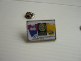 Pin's  Rugby   FINALE CHAMPIONNAT 1999 GRENOBLE-ASM CLERMONT-FD  1/2 - Rugby