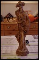 Statuette Résine D'un Paysan Chinois Année 60/70 Grue/héron/perroquets/phoenix/hanfu/chapeau Asiatique Symbolisme - Sculptures