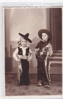 NIÑOS KIDS ENFANTS CRIANÇAS DISFRAZ COSTUME VAQUEROS COWBOYS-CIRCA 1936- BLEUP - Fotografie