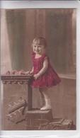NIÑA FILLE MENINA GIRL FLORES FLEURES FLOWERS COLORISE CIRCA 1900s- BLEUP - Fotografie