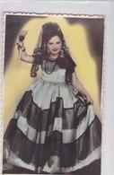 NIÑA FILLE MENINA GIRL DISFRAZ COSTUME DAMA ANTIQUA DAME ANTIQUE COLORISE VOYAGE CIRCA 1953- BLEUP - Fotografie