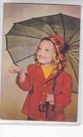 NIÑA GIRL FILLE UMBRELLA PARAGUAS CIRCA 1960s- BLEUP - Fotografie
