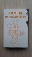 Zündholzschachtel Mit Einer Art Mickey Mouse (Werbung Für Eine Kneipe Taiwan) - Zündholzschachteln