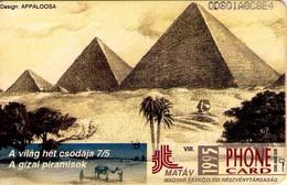 TARJETA TELEFONICA DE HUNGRIA. The Seven Wonders Of The World. GIZEH. HU-P-1995-30. (116) - Hungría