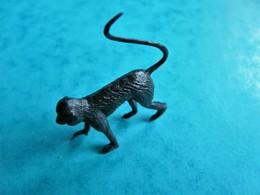1 Figurine Animal Animaux Jungle  (article 29) - Figurillas