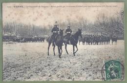CPA Militaria - ISÈRE - VIENNE - 17ème RÉGIMENT DE DRAGONS - REVUE PASSÉE PAR LE NOUVEAU COLONEL - 01/02/1909 - - Vienne