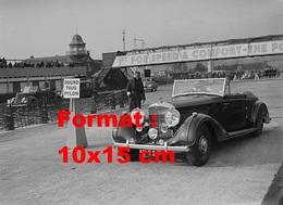 Reproduction D'une Photographie D'une Bentley Participant  à Un Rallye En 1939 - Reproducciones