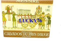 Etiquette  Calvados Du Pays D'auge Messire - Other