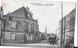 FOUGERE LE CARREFOUR DE LA MADELEINE ATTELAGE Petit Defaut Tache Et Papier    DEPT 49 - France