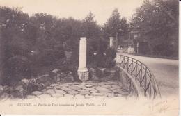 CPA - 50 VIENNE -  Partie De Voie Romaine Au Jardin Public - Vienne