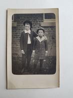 Ancienne Photo/CP De Deux Frères/enfants Belges - Belgique - Portrait/Garçons/Costume - Photos
