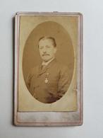 Ancienne Photo D'un Homme Belge Avec Médaille Militaire - Belgique - 10,5x6,5cm - Portrait/Monsieur/Militaire/Armée - Photos