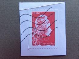 Timbre France - Marianne D'Yseult Digan - L'engagée - 2018 - Lettre Prioritaire - Non Dentelé - Sur Fragment - France
