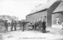 59 - Tourcoing - Une Visite à La Frontière (top Animation, Contrôle Douane Attelage 1905) - Tourcoing