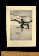Photographie Originale : MEGEVE Haute Savoie Patineuse Patin à Glace Patinoire 1953 - Lieux