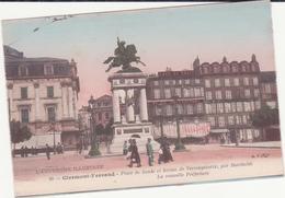 CPA - 99. CLERMONT FERRAND -place De  Jaude Et Statue De Vercingétorix - Clermont Ferrand