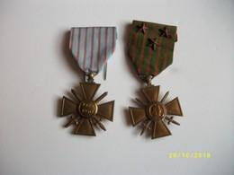 2 Médailles Guerre 39-40 Dont 1 Avec Un Ruban 3 étoiles - Francia