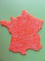 Carte De France En Plastique Orange Avec Départements Et Préfectures - Non Trouée - 16 Cm X 16 Cm - Autres