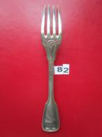 N° 82 - 1 Fourchette ARGENT 3 Poinçons : 1/BALANCE 2/53 Et 3/CARO Poids : 83 Gr L. 21,5 Cm  - TBE - - Argenterie