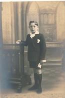 Thèmes - Photographie - Portrait D'enfant - Garçon - Communiant - Photo - Personnes Anonymes