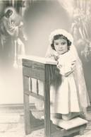 Thèmes - Photographie - Portrait D'enfant - Fille - Communiante - Photo - Personnes Anonymes