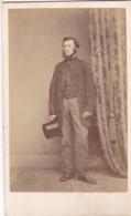 ANTIQUE CDV PHOTO - STANDING BEARDED MAN.  TOP HAT. DUNFRIES  STUDIO - Photographs