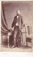 ANTIQUE CDV PHOTO - STANDING MAN. GLASGOW  STUDIO - Old (before 1900)