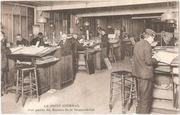 Dépt 75 - PARIS - LE PETIT JOURNAL - Une Partie Du Bureau De La Comptabilité - (timbre Taxe) - Autres