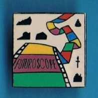 PIN'S //    ** FUTUROSCOPE ** - Space