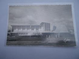 CPSM 56 - RIANTEC HÔTEL DE VILLE ET LES P.T.T. Architecte M. OUVRE Lorient - Lorient