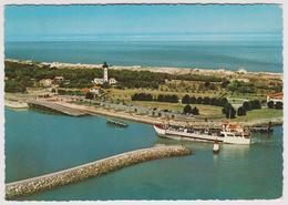 33 - LA POINTE DE GRAVE - Le Bac Franchissant La Passe - Ed. Sofer N° A33 P39 1002 - Francia
