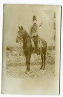 Carte Photo Militaria :  Cavalier à Cheval   A  VOIR  !!!! - Uniforms