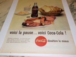 ANCIENNE PUBLICITE LA FRAICHEUR EN PERSONNE COCA COLA 1961 - Manifesti Pubblicitari