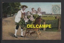 DD / FANTAISIES / BÉBÉS DANS LA VOITURE DU MARCHAND DE LEGUMES / CIRCULÉE EN 1905 - Neonati