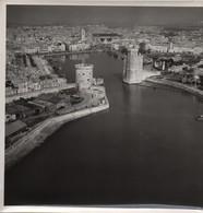 Grande Photographie Aérienne/Tirage D'époque/France/ Entrée Du Port De La ROCHELLE 2 /Vers 1930 - 1950         PHOTN472 - Otros