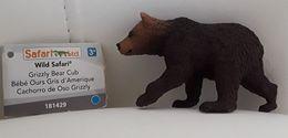 Figurine, Animal Sauvage, Bébé Ours Gris - Grizzli Bear Cub - Wild Safari - Cachorro De Oso Grizzli - Long 8 Cm - Figurillas