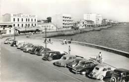 30 - LE GRAU DU ROI - Automobiles Sur Le Quai - Le Grau-du-Roi