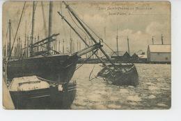 SAINT PIERRE ET MIQUELON - Les Bateaux De Pêche Dans Les Glaces En Hiver - Saint-Pierre-et-Miquelon