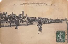 TOUR DE FRANCE- 1910- ARRIVEE DE LAPIZE AU PARC DES PRINCES- VAINQUEUR DU TOUR DE FRANCE - Cyclisme